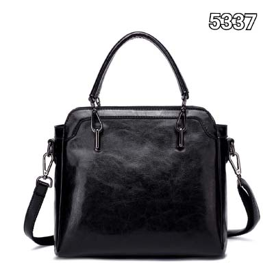 5337 Plain Simple Elegant Handbag (Black)