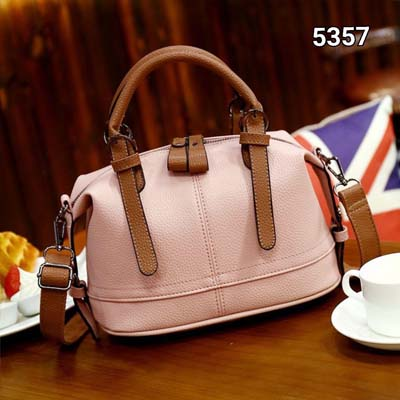 5357 Simple Cute Slingbag (Pink)