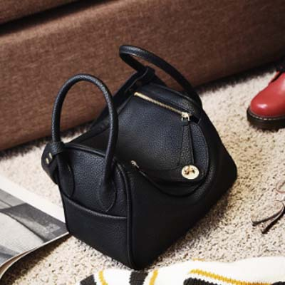 5465 HM Inspired Slingbag (Black)