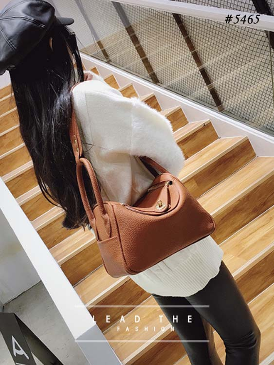 5465 HM Inspired Slingbag (Brown)
