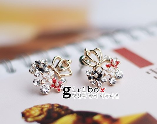 Elegant Crown Black Enamel Diamond Korean Style Earrings