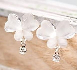 Snow White crystal butterfly bright diamond earrings