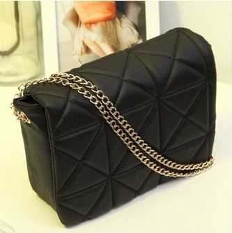 1362 LINGGE Sling Bag (Black)