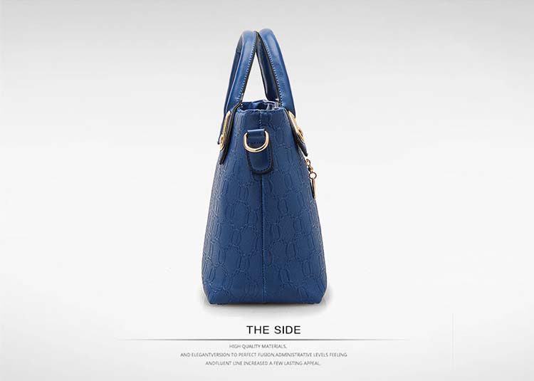 Fashion 4 in 1 Handbag With Bear and Gold Chain (Blue)